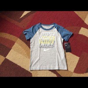 Boy's Nike shirt NWT